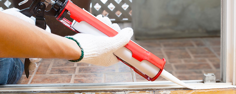 How to Use a Caulk Gun? Caulking Tips for Beginners